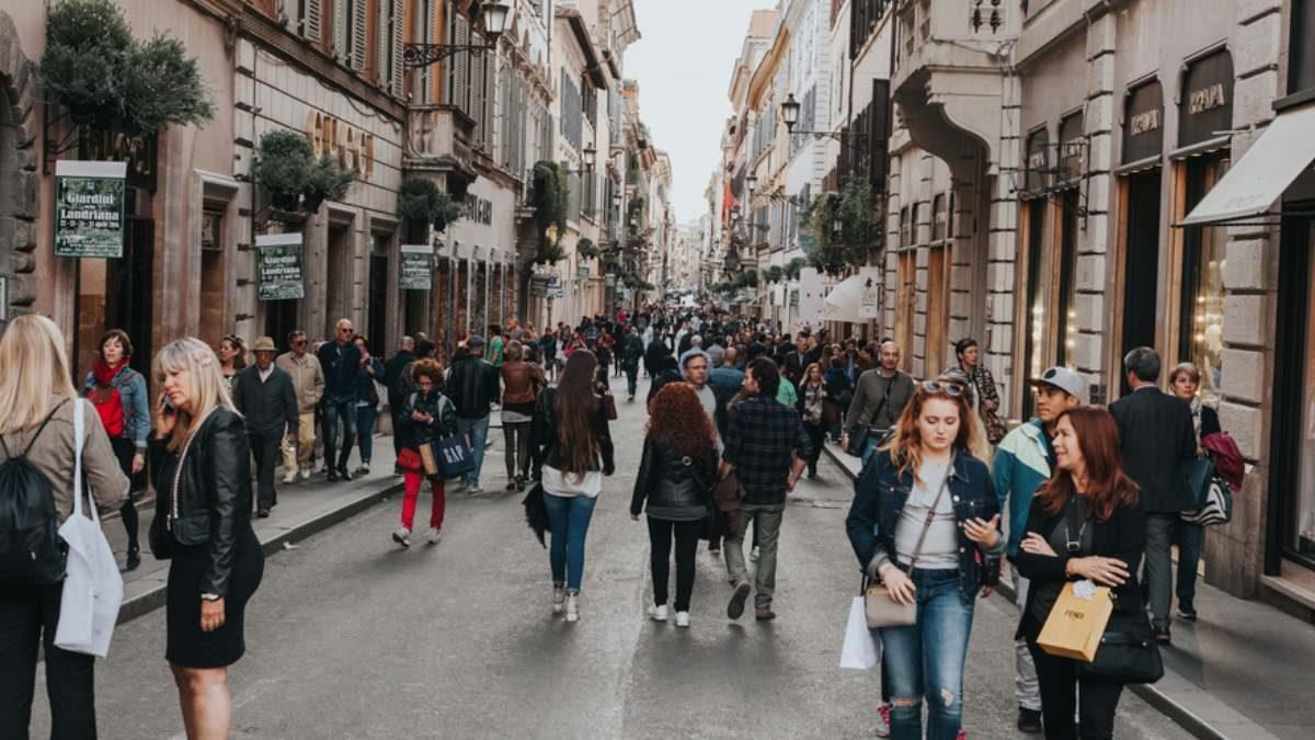 Vie pedonali: le città italiane da percorrere a piedi