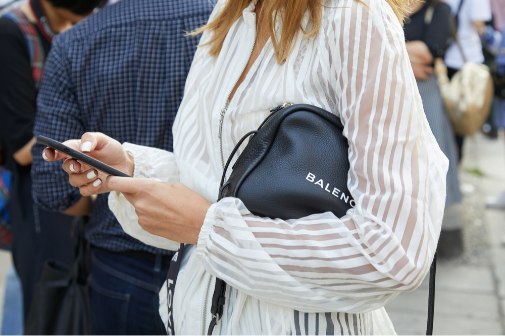 Balenciaga: dalla haute couture allo streetwear, e ritorno