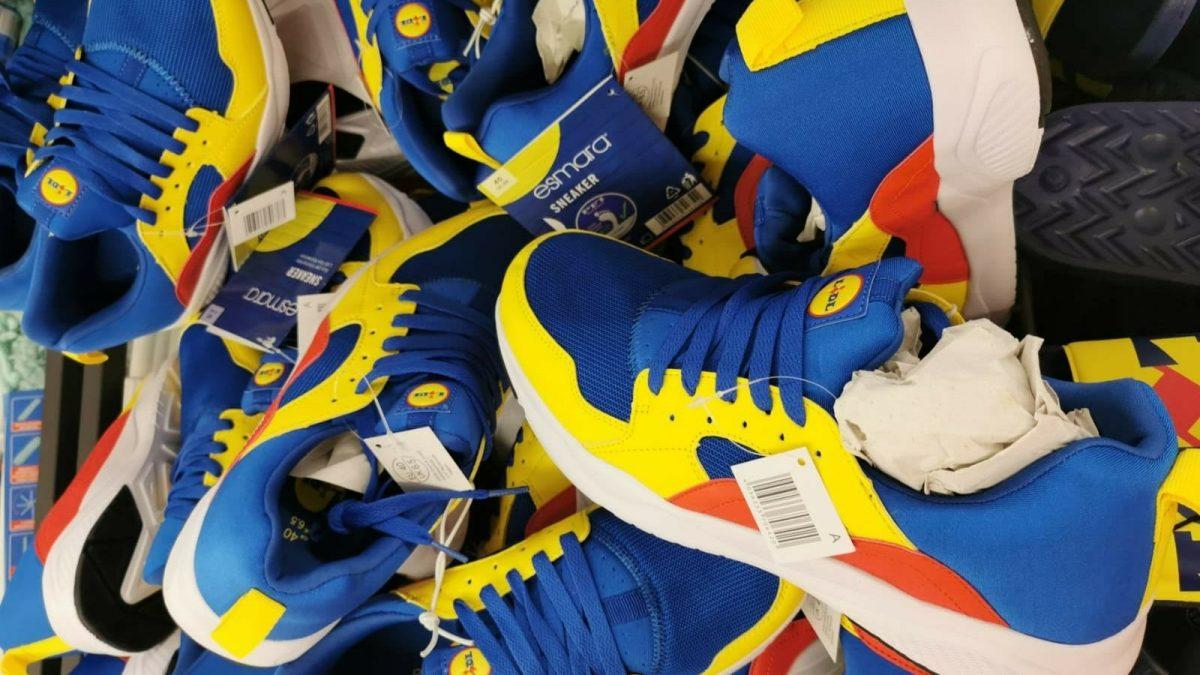 Strategia di marketing, scarsità e nostalgia: il fenomeno delle scarpe Lidl spiegato dalla giornalista Mariavittoria Butera