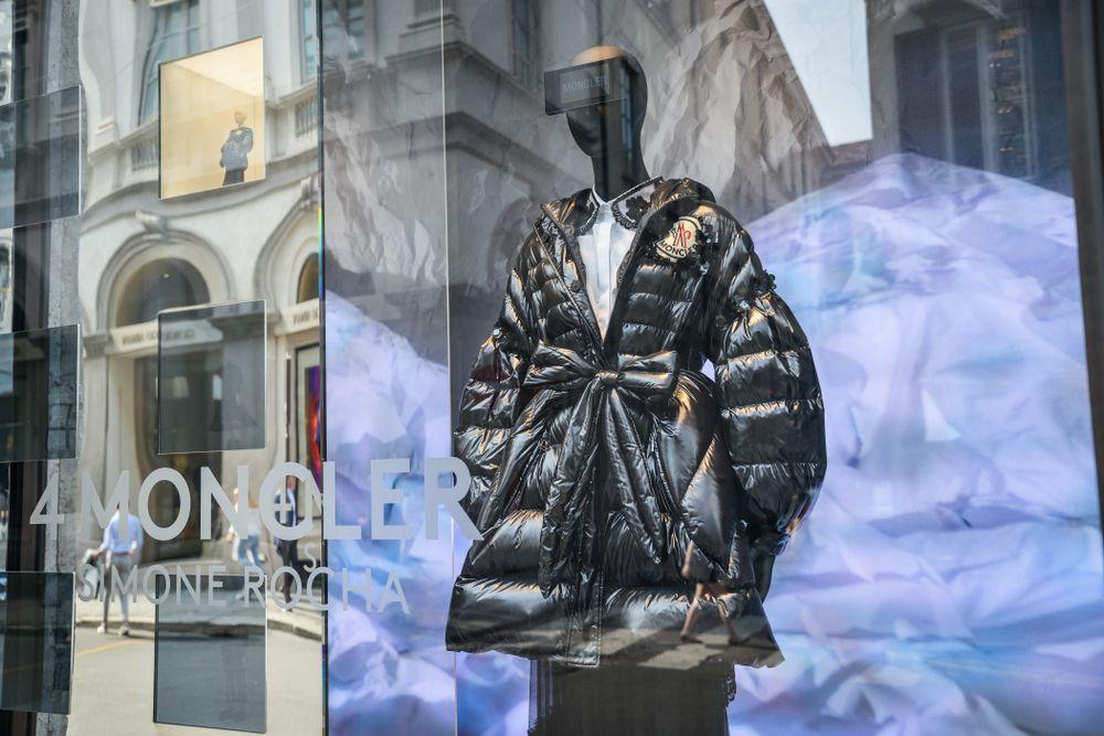 Moncler, il colosso del luxury sportswear nato in un piccolo villaggio di montagna