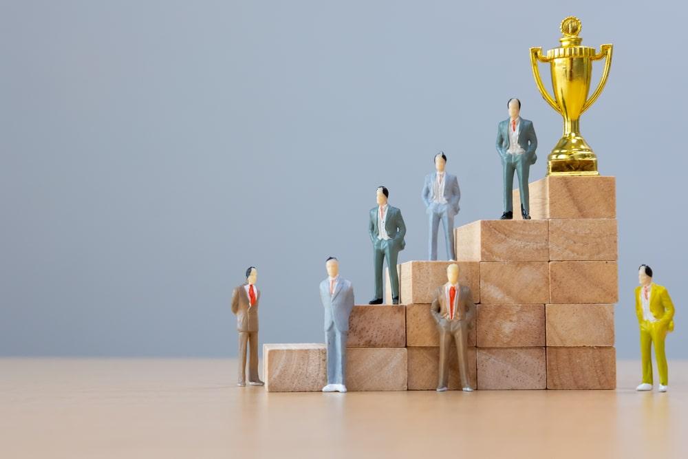 Leader e gregario, due personalità interdipendenti nel team di lavoro: caratteristiche e differenze