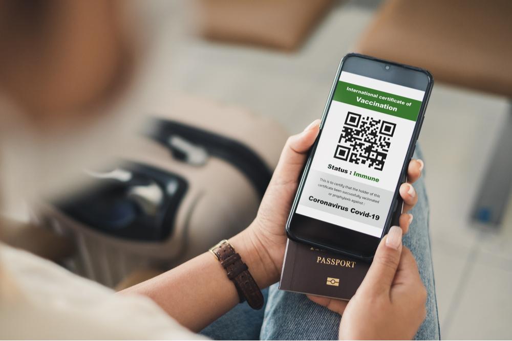 'Travel pass', nasce l'App che consente di prenotare test anti-Covid e volare in sicurezza