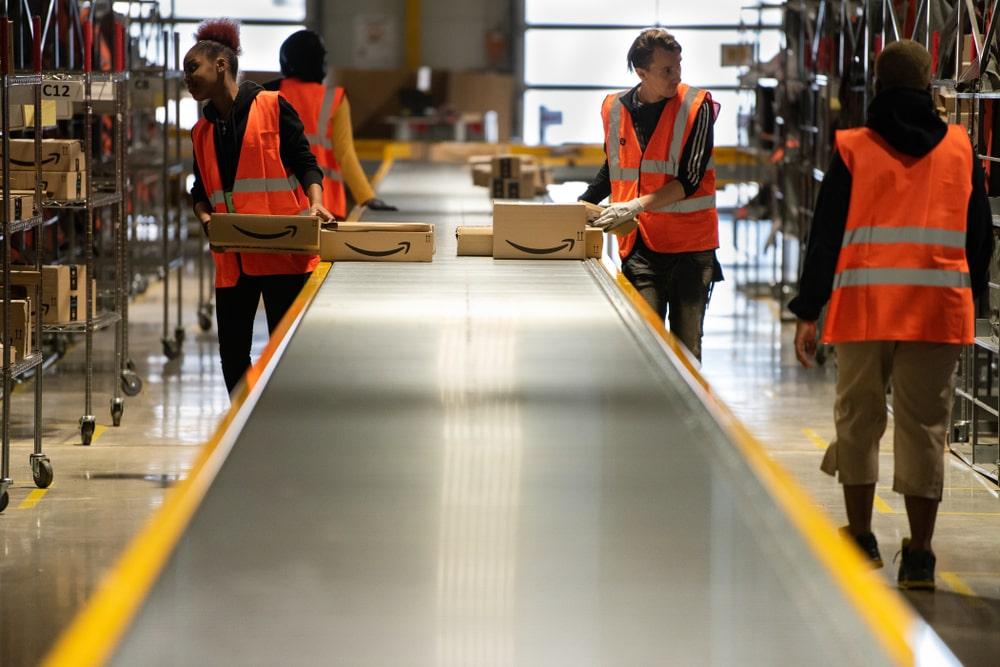 Amazon rilancia le assunzioni, ma a che punto sono le proteste dei lavoratori?