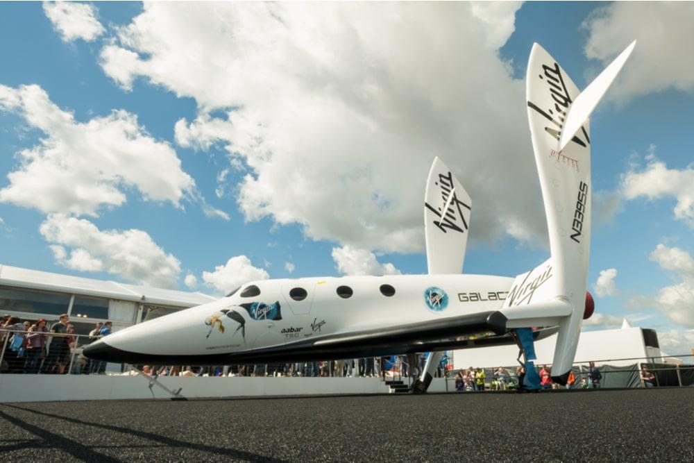I viaggi nello spazio che diventano un business per aziende private: la sfida tra Richard Branson e Jeff Bezos